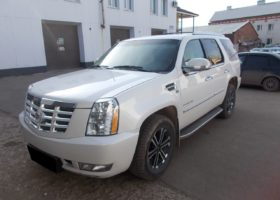 Cadillac GMT926 (Escalade) 2011 г. V8 6.2л. 409л.с.